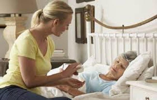 Chăm sóc, quan tâm hơn đến người già